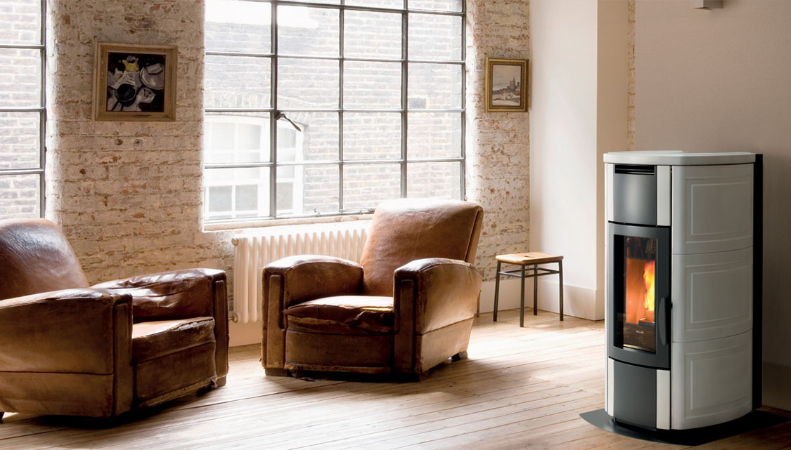 The HRV 160 is a powerful compact pellet boiler stove