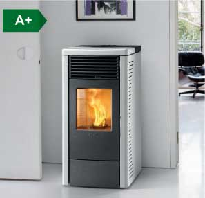 R70 ventilated wood pellet stove