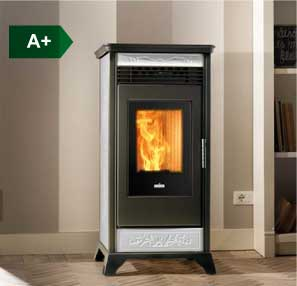 RV 110 ventilated wood pellet stove