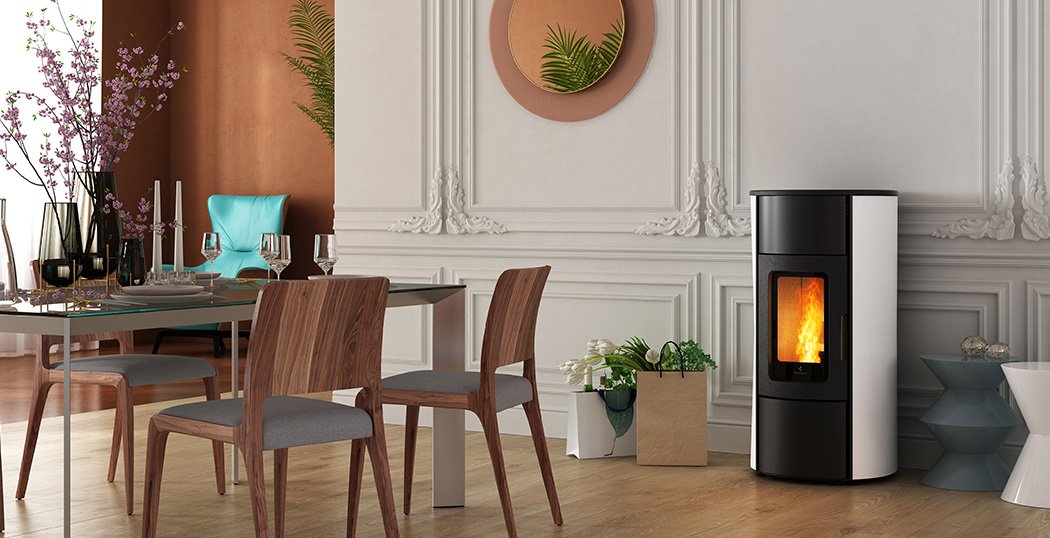 Flexi 7 is a natural convection and ventilated wood pellet stove